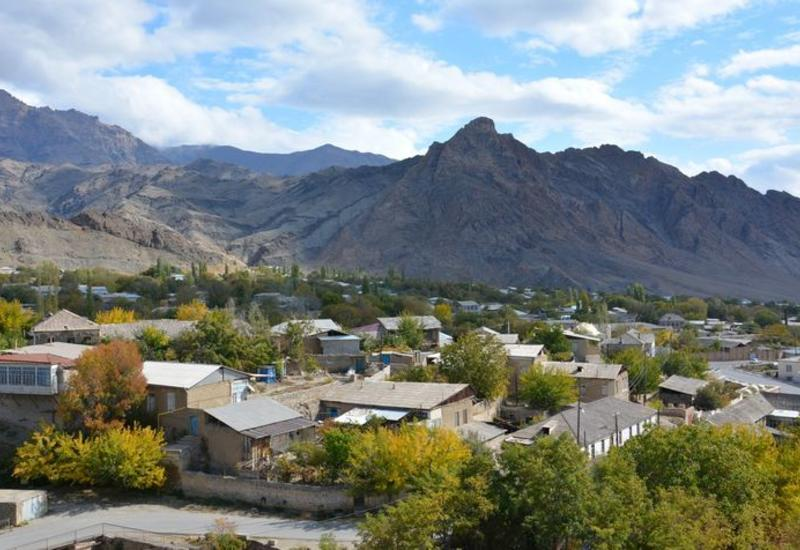 Армянские вандалы разрушили памятники и кладбища Нахчывана