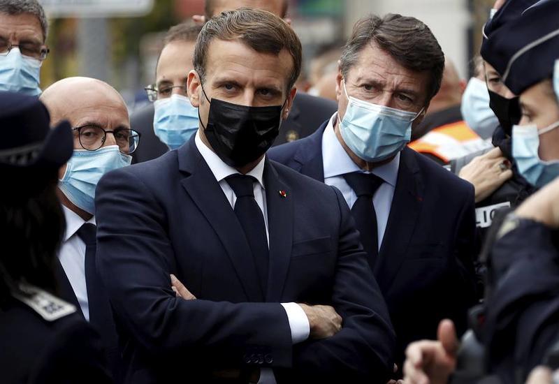 Власти Франции усилят охрану церквей и школ