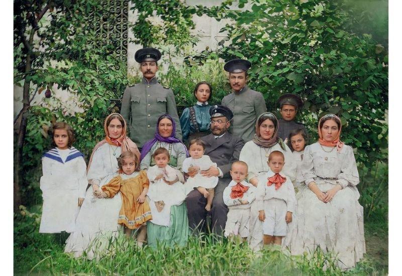 Семья Мехмандаровых в Шуше
