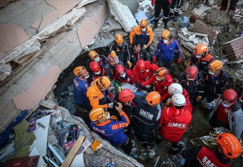 Число жертв землетрясения в Измире достигло 49