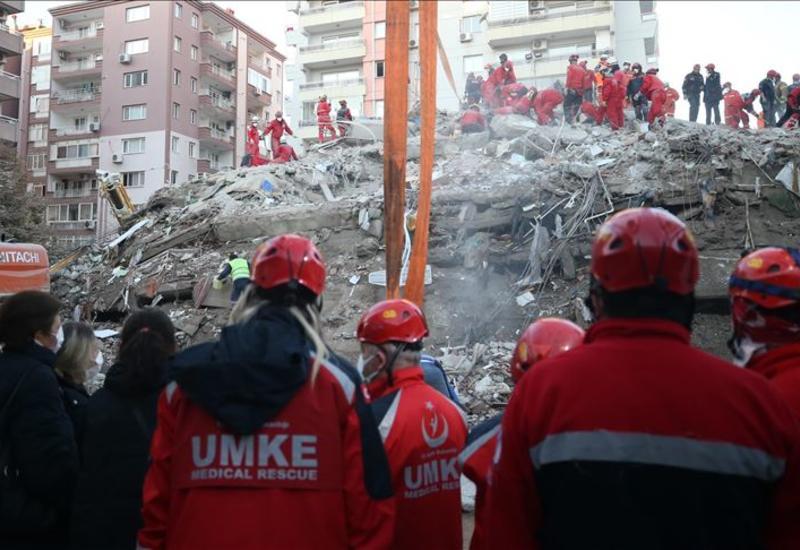 Число жертв землетрясения в Измире достигло 83