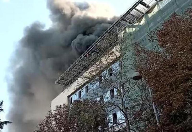 Сильный пожар в больнице в Стамбуле
