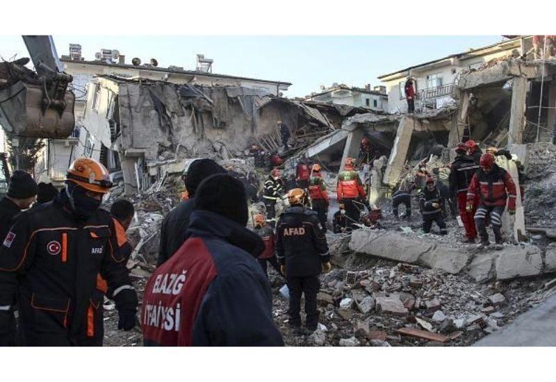 Число погибших при землетрясении в Турции достигло 113