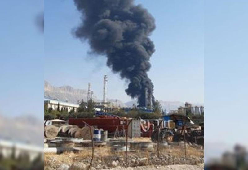 В Иране вспыхнул пожар на заводе