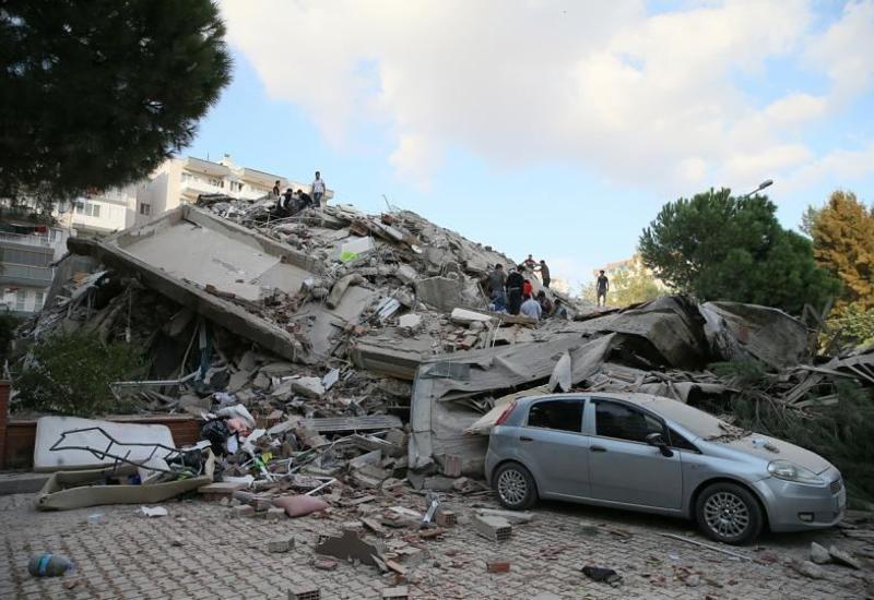 В Турции арестовали причастных к строительству разрушенных в Измире домов