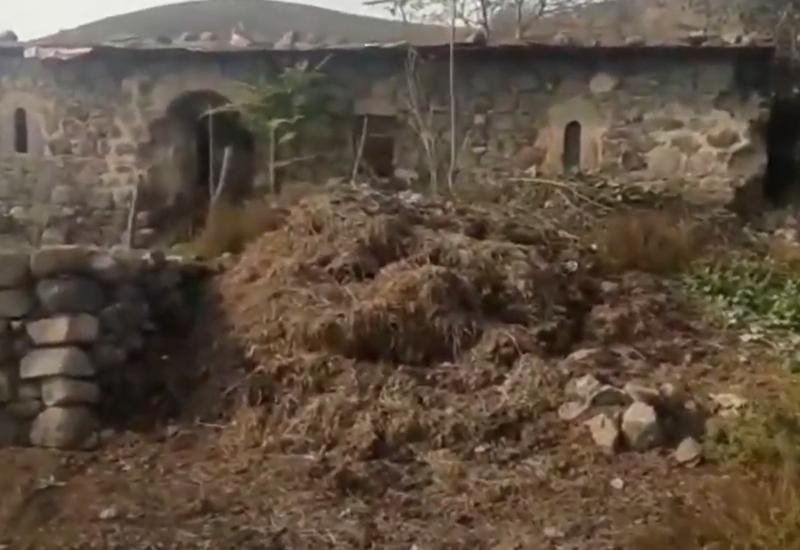 Минкультуры Азербайджана об осквернении армянами мечети в Губадлы