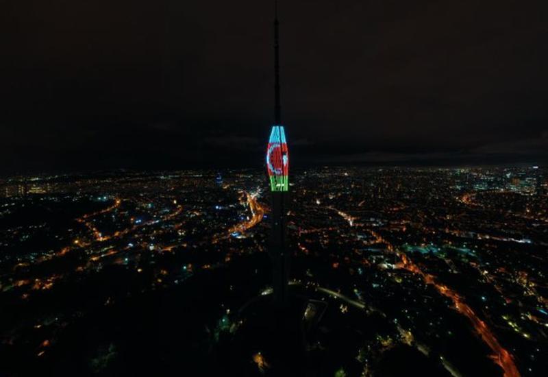 Самая высокая телевышка Европы окрасилась в цвета флага Азербайджана