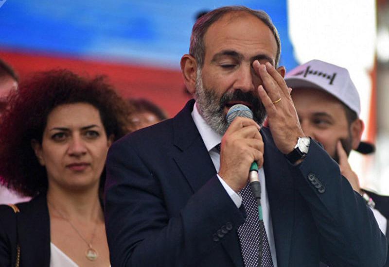 В Армении рухнул рейтинг поддержки Пашиняна