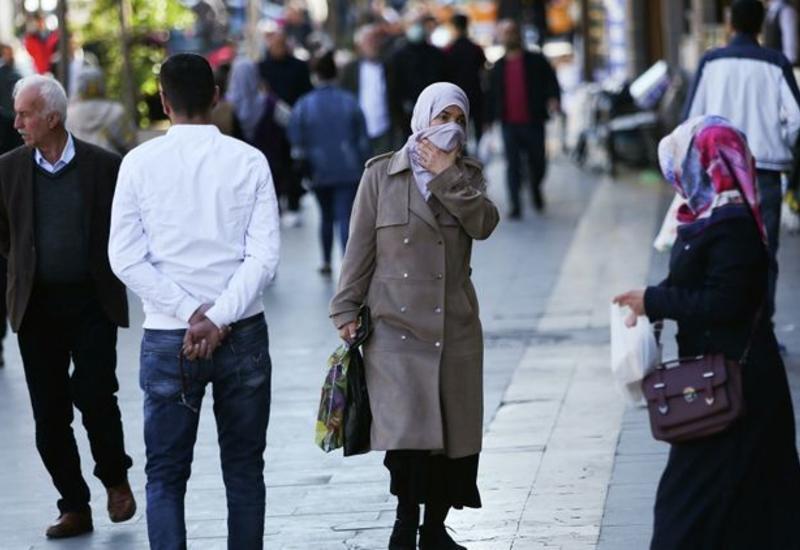 В Турции запретили курить на улицах