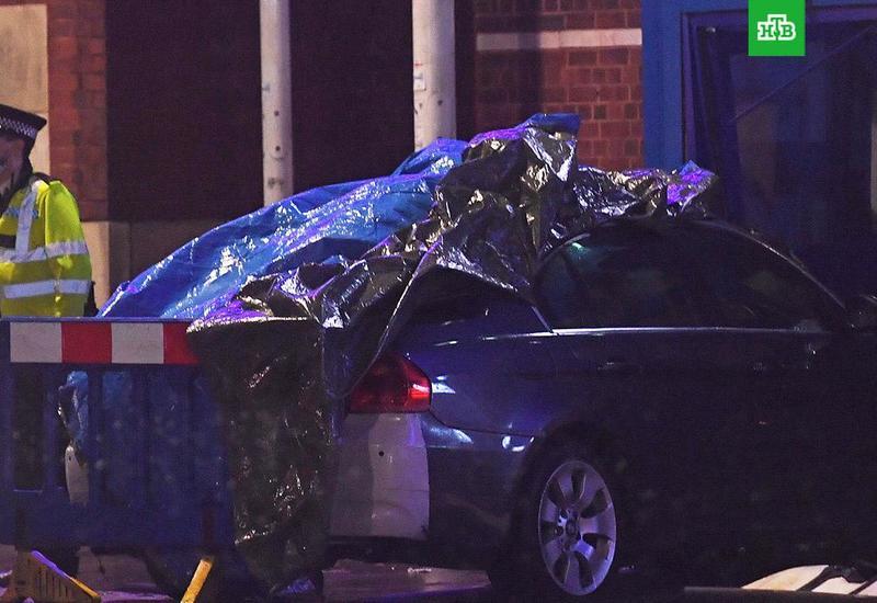 Автомобиль протаранил полицейский участок в Лондоне