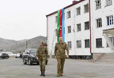 Президент Ильхам Алиев и Первая леди Мехрибан Алиева побывали в освобожденных от оккупации Физулинском и Джебраильском районах, в том числе в городах Физули и Джебраил - ОБНОВЛЕНО - ФОТО - ВИДЕО