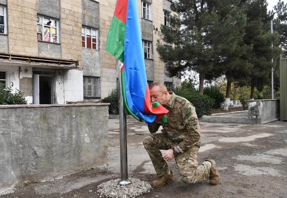 """Prezident: """"Heç bir status haqqında söhbət gedə bilməz, vahid Azərbaycan dövləti var"""