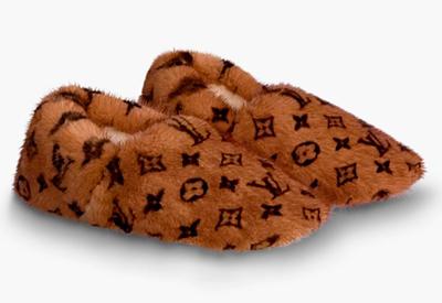 Louis Vuitton выпустил домашние тапки за рекордную сумму