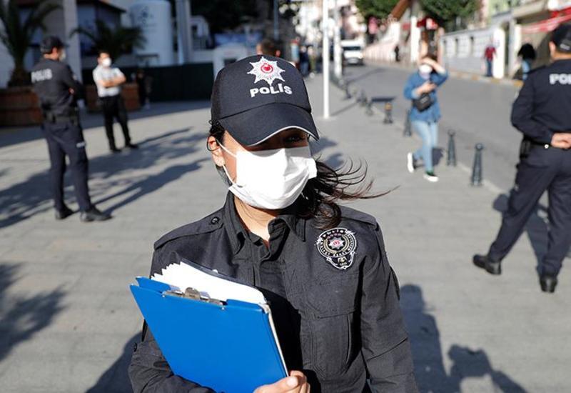 В Турции ввели комендантский час в выходные дни
