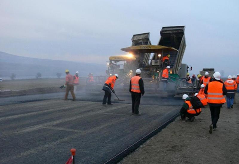 На новой дороге в Шушу будут полосы для движения спецтехники