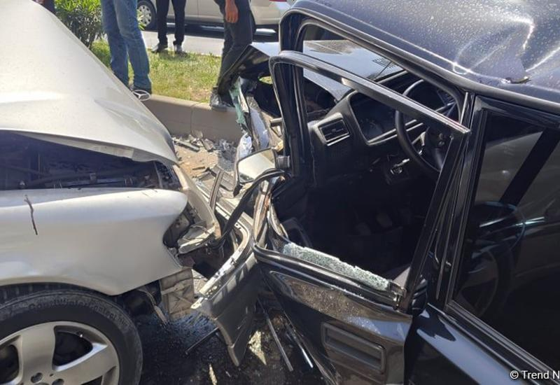 В Агстафе столкнулись два автомобиля