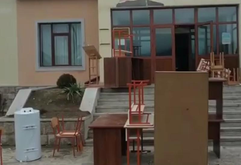 Армяне вывозят имущество из Аскеранского района