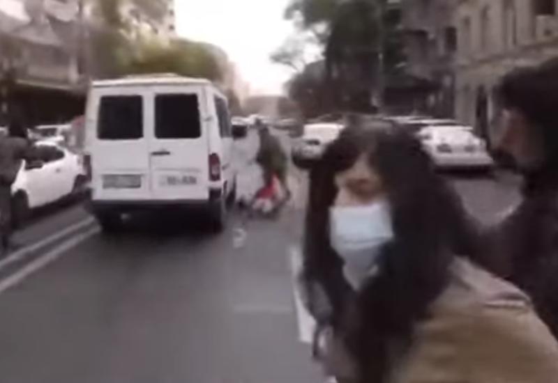 Сторонники Пашиняна давят протестующих на автомобилях