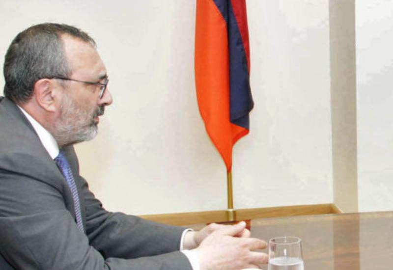 Пашинян уволил посла по особым поручениям