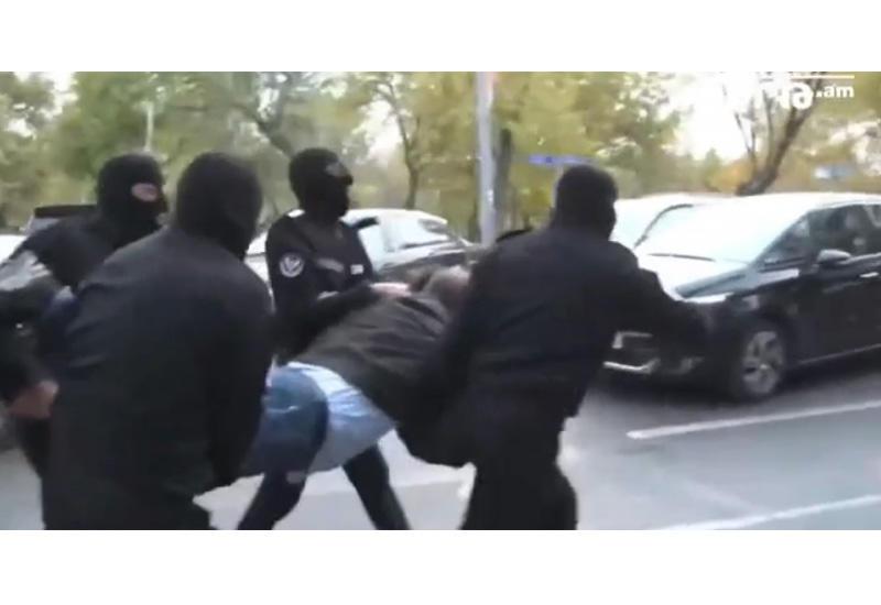 Жесткая расправа с протестующими в Ереване