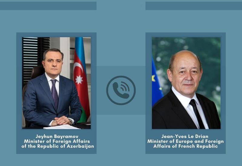 Джейхун Байрамов провел телефонный разговор с главой МИД Франции