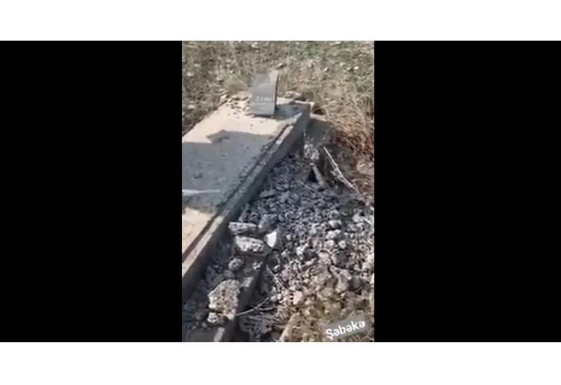 Азербайджанский военнослужащий посетил могилу отца в Зангилане