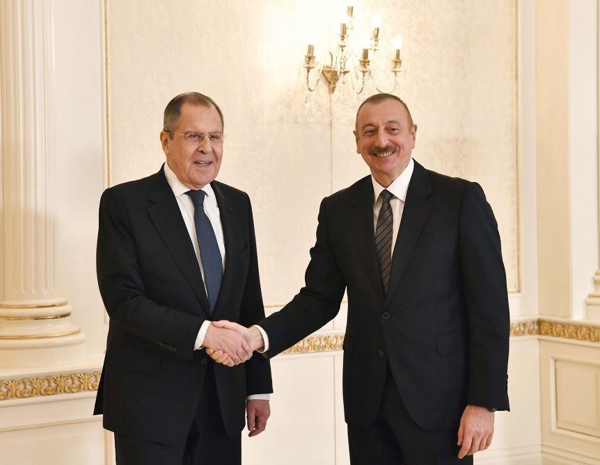 Президент Азербайджана Ильхам Алиев принял министра иностранных дел России Сергея Лаврова