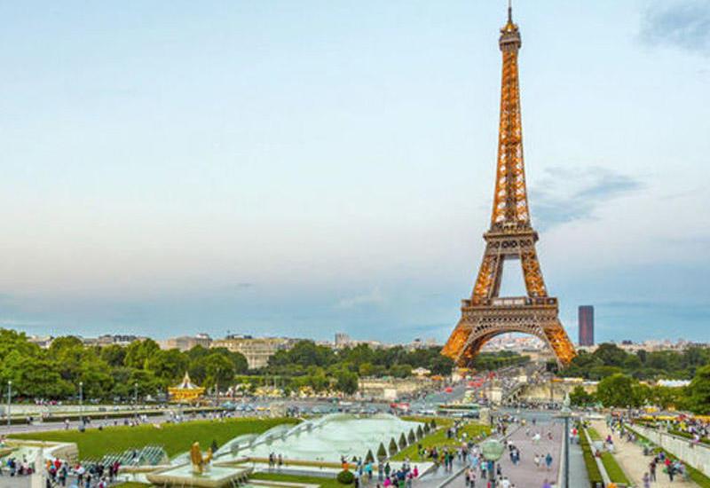 В пригороде Парижа злоумышленник зарезал сотрудницу полиции