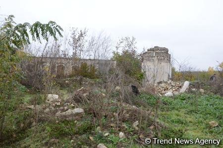Разрушенная мечеть Гаджи Алекпера в городе Физули