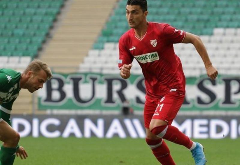 Азербайджанский футболист заразился коронавирусом в Турции