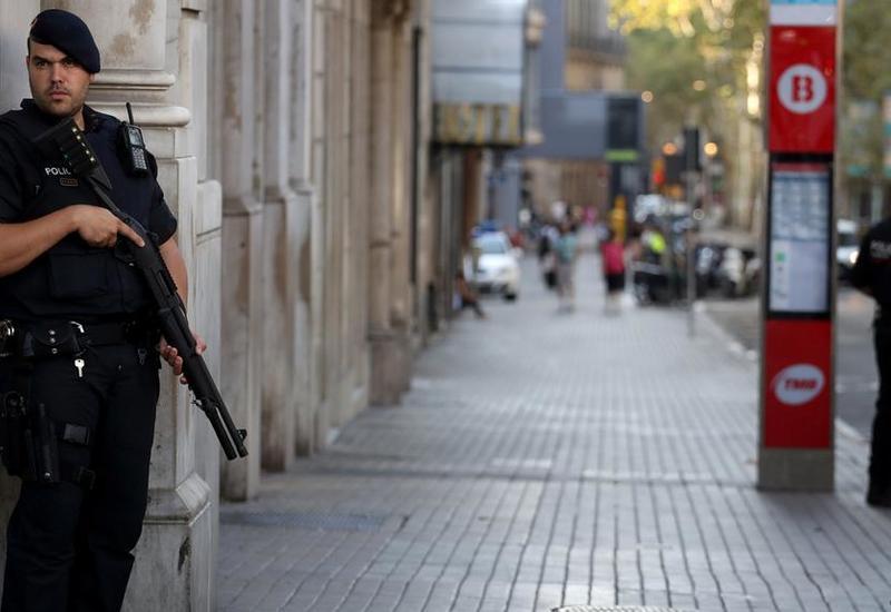 В Барселоне полиция открыла огонь по бездомному