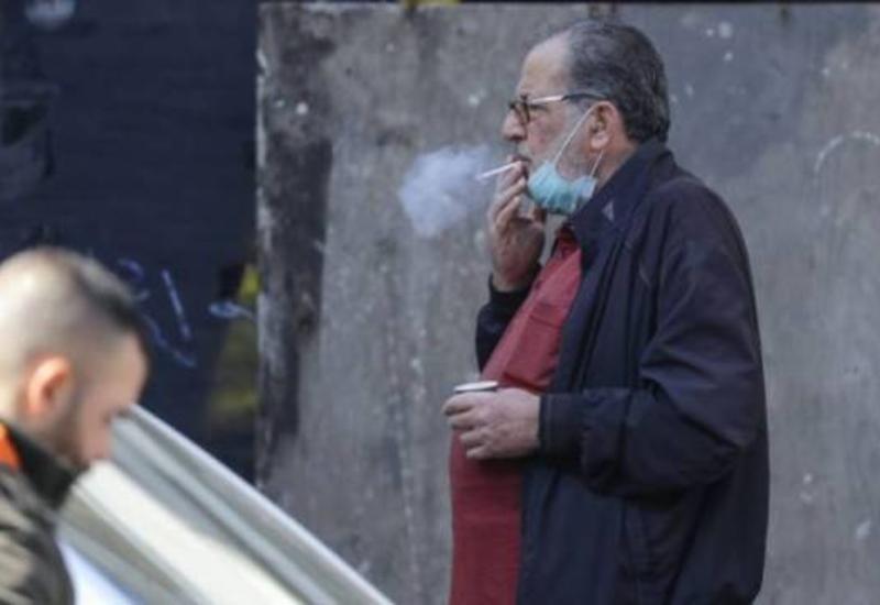 МВД Азербайджана внесло ясность в вопрос о штрафах за курение на улице
