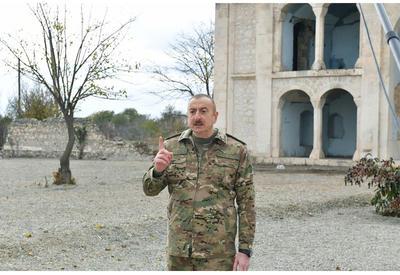 Президент Ильхам Алиев: Мы уничтожили врага легким вооружением, в рукопашном бою, пройдя ущелья, леса, горы, освободили Шушу