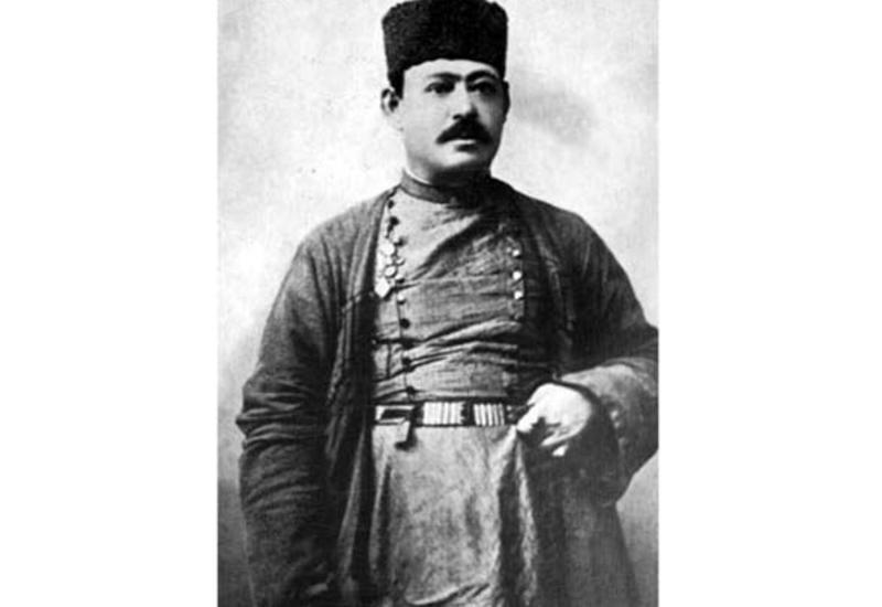 Международный центр мугама о создателе азербайджанского тара Садыхджане