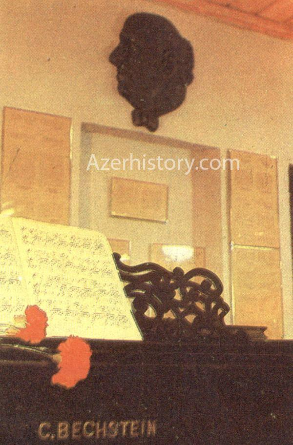 Вот во что армянские вандалы превратили дом-музей Бюльбюля в Шуше