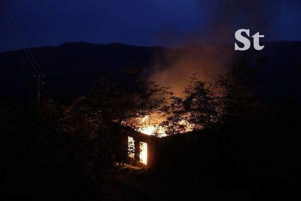 Армянские вандалы сжигают дома в Лачине