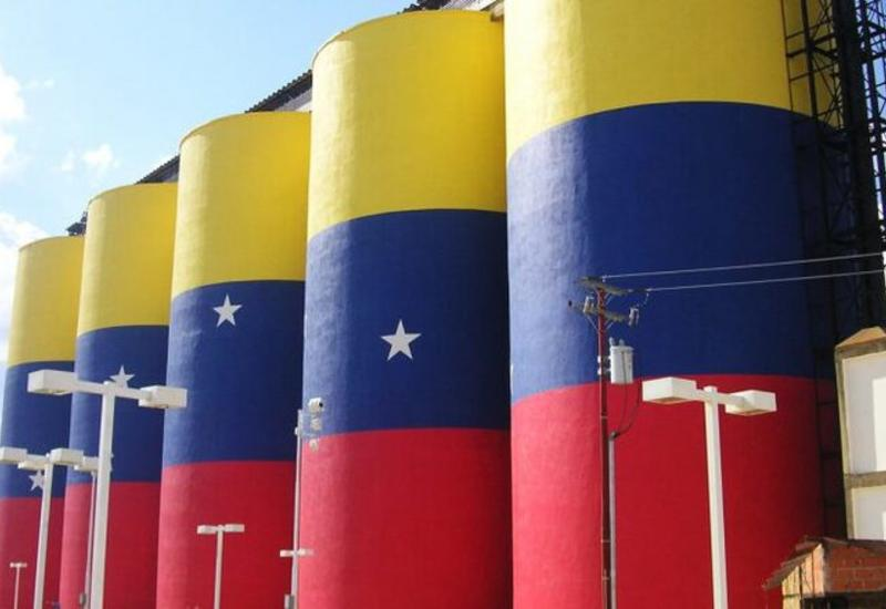 Венесуэла возобновила прямые поставки нефти в Китай, несмотря на санкции США
