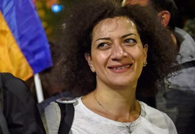 Парикмахер жены Пашиняна обвиняет ее в воровстве