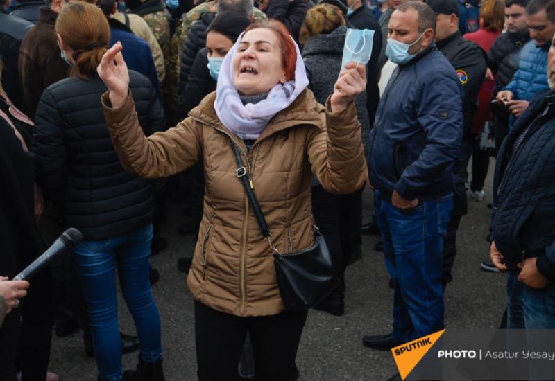 Родители армянских солдат снова протестуют в Ереване