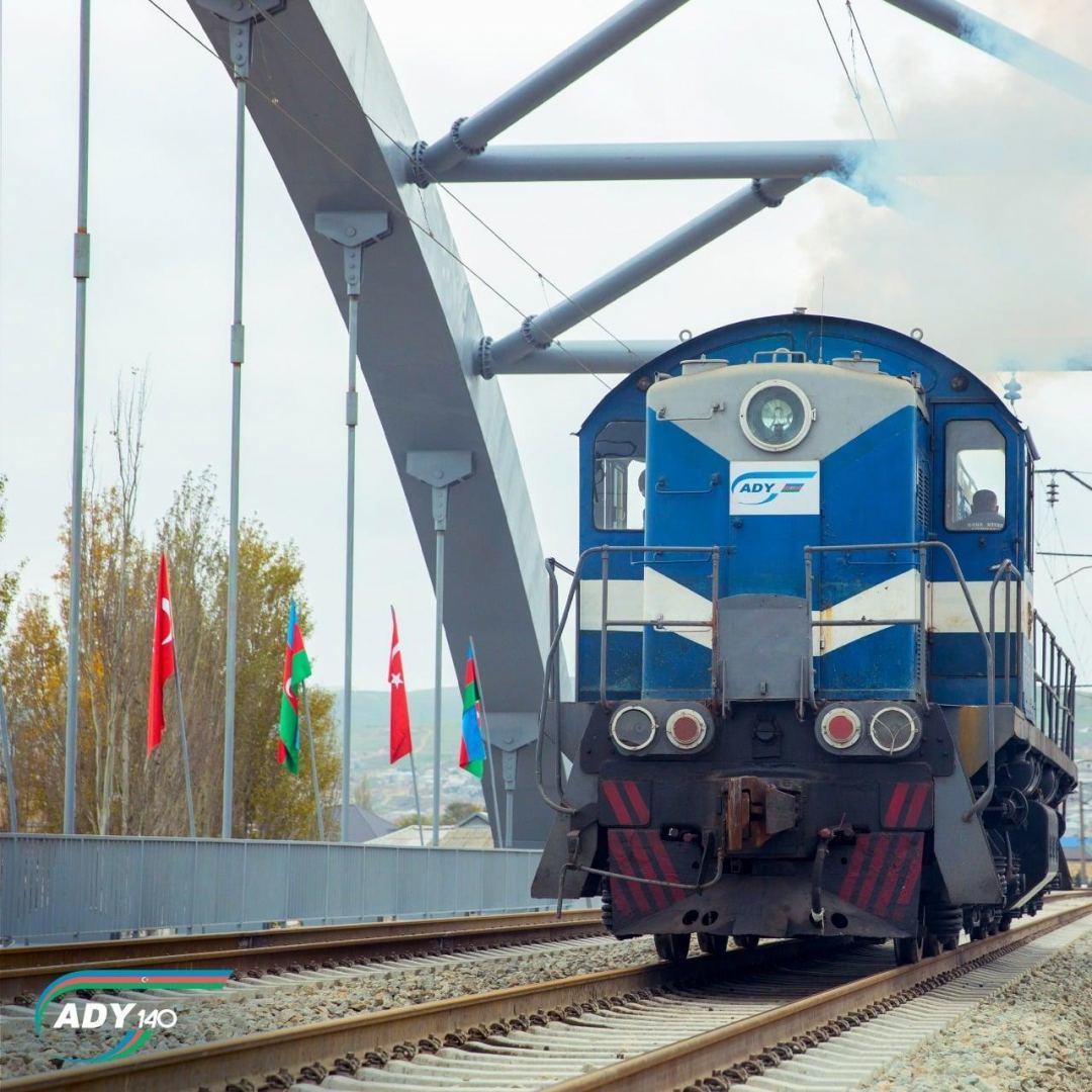 Возобновляется работа поездов Баку-Хырдалан-Сумгайыт
