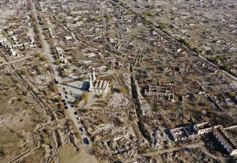 Дрон показал шокирующие снимки Агдама после 27 лет оккупации