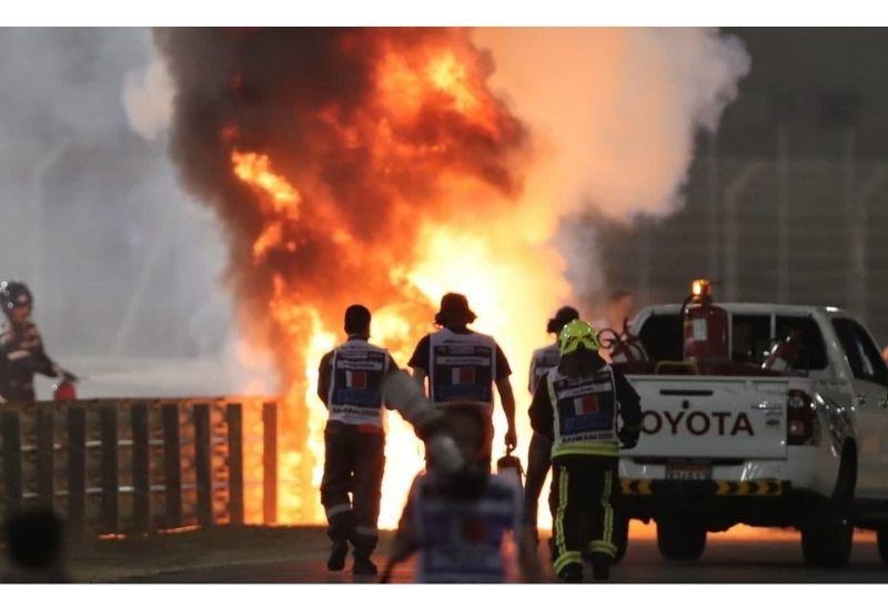 Момент взрыва болида пилота Формулы-1 Ромена Грожана