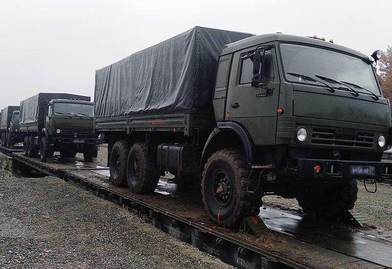 В Азербайджан доставлена партия техники для российских миротворцев