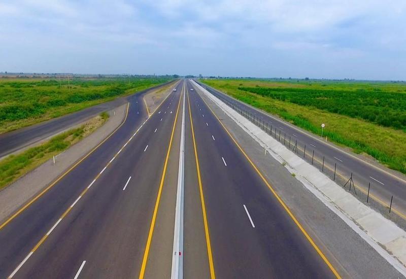 Азербайджан строит новую дорогу до границы Армении