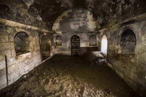 Разрушенный армянскими оккупантами дворец Панахали хана в Агдаме