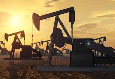 Fitch оценило решение ОПЕК+ увеличить нефтедобычу - ВИДЕО