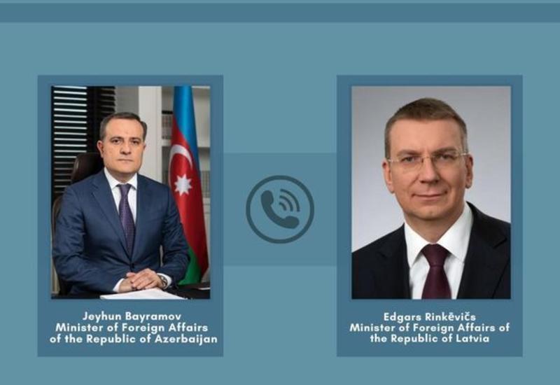 Джейхун Байрамов провел телефонный разговор с главой МИД Латвии