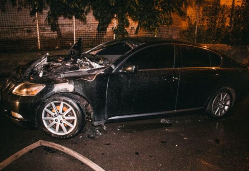 В Ереване взорвали автомобиль директора банка
