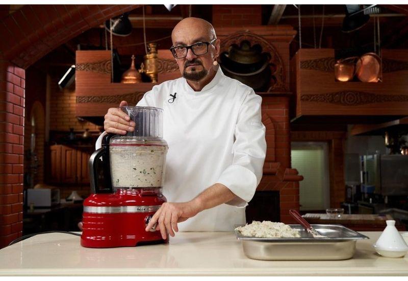 Сталик Ханкишиев анонсировал новую кулинарную книгу