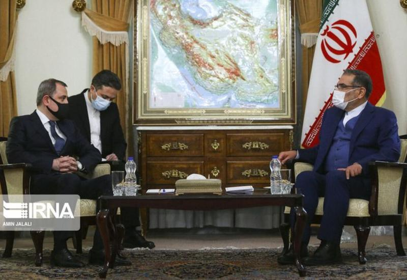 Джейхун Байрамов на переговорах с секретарем Высшего Совета национальной безопасности Ирана